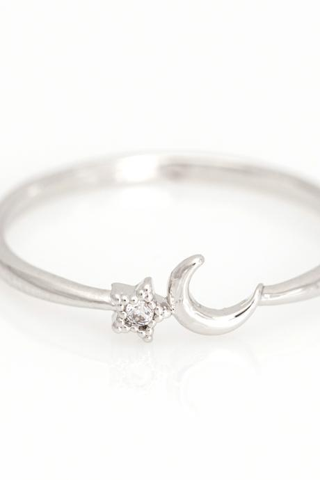 Crescent Moon and Star Ring Delicate Shiny Ring Rhodium Plated Brass 5NDAR6
