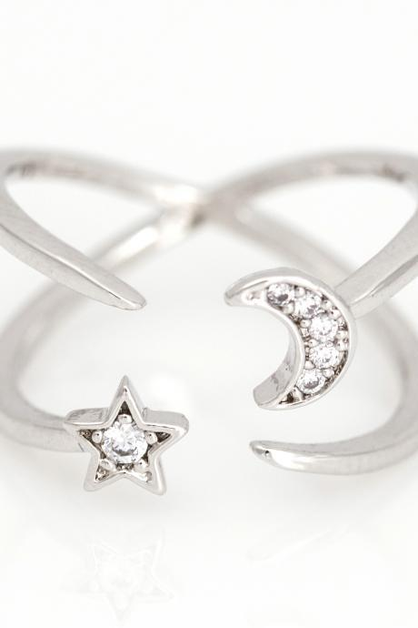 Crescent Moon and Star Open Ring Shiny Ring Rhodium Plated Brass 5NDAR5