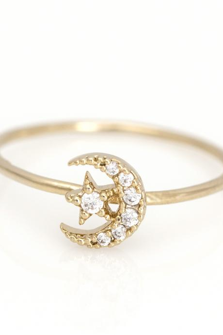 Crescent Moon and Star Ring Delicate Shiny Ring Gold Plated over Brass 5NDAR4