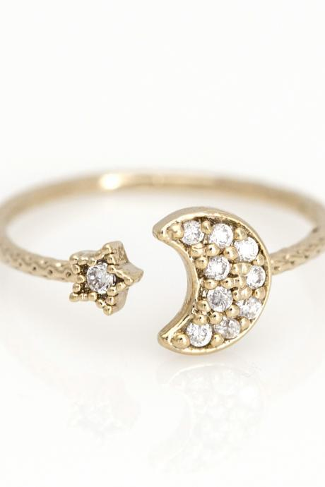 Crescent Moon and Star Open Ring Delicate Shiny Ring Gold Plated Brass 5NDAR3