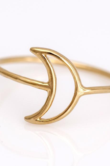 1 Crescent Moon Ring Delicate Shiny Ring Gold Plated over Brass 5NCAR4