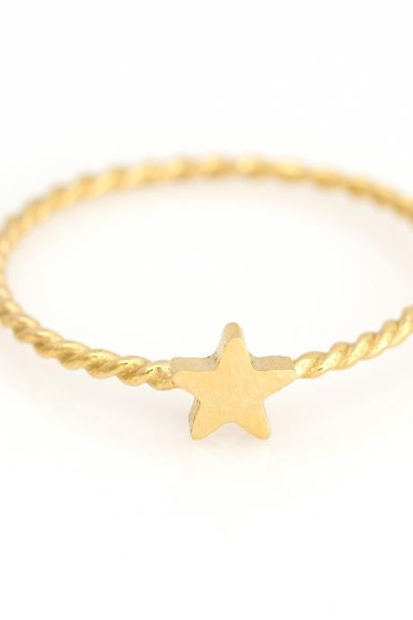 1 Star Ring Delicate Scratch Ring Gold Plated over Brass 5NBAR9