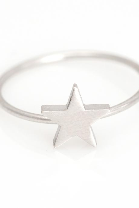 1 Star Ring Delicate Scratch Ring Rhodium Plated over Brass 5NBAR8