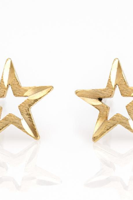 1 Star Earrings Delicate Scratch Star Stud Gold Plated over Brass 5NBAE15