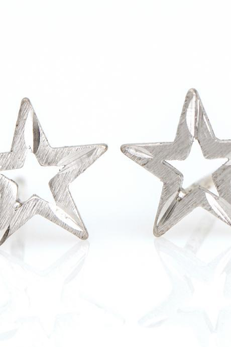 1 Star Earrings Delicate Scratch Star Stud Rhodium Plated over Brass 5NBAE15